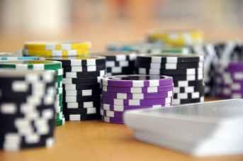 play-card-game-poker-poker-chips-39856.jpeg